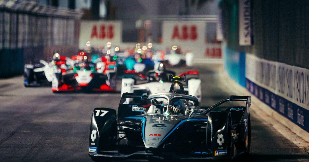 Acht straffen bezorgen De Vries toch nog punten na tweede Formule E-race - Racingnews365