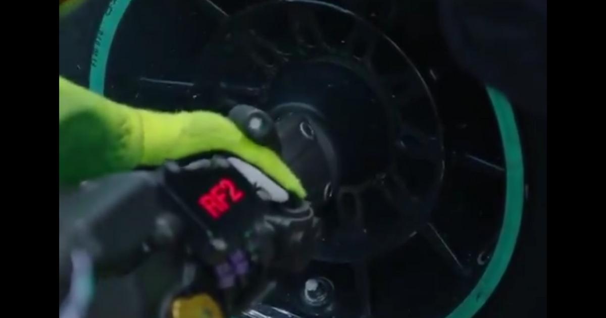 Video Watch Valtteri Bottas Wheel Nut Shear Off In The Pits Racingnews365